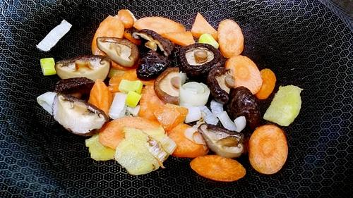 虾仁豆腐杂货锅的做法图解10