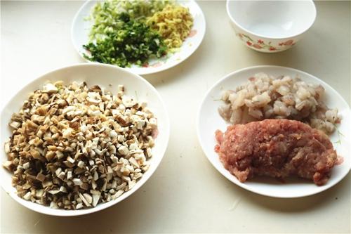 双菇虾仁馄饨的做法图解5