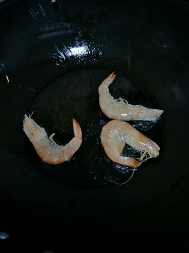 咖喱牛肉鲜虾捞面的做法图解3