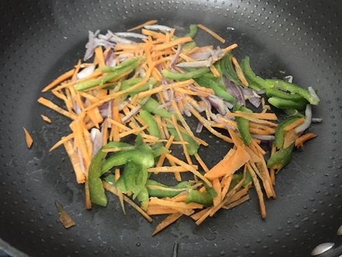 甜心蛋包咖喱饭团的做法图解7