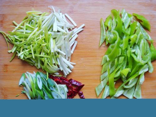 青椒炒肉片的做法图解4