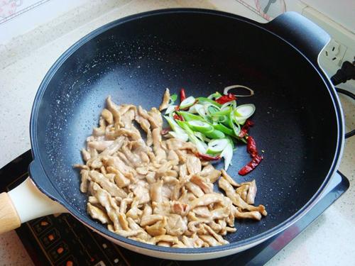 青椒炒肉片的做法图解6