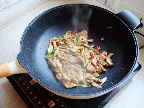 青椒炒肉片的做法图解7