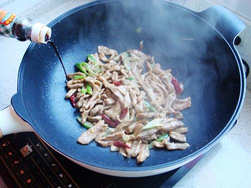 青椒炒肉片的做法图解8
