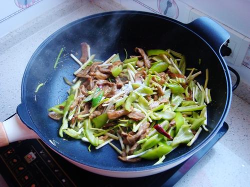 青椒炒肉片的做法图解10
