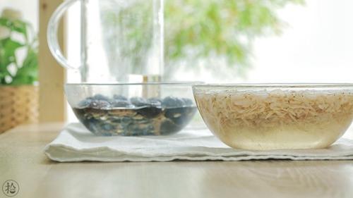 香菇虾皮粉的做法图解1