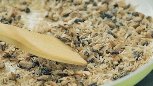 香菇虾皮粉的做法图解5