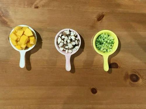 宝宝辅食三宝烩饭的做法图解2