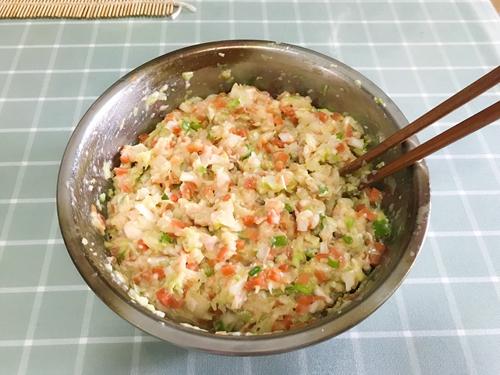 孕妇食谱  蔬菜猪肉蒸饺的做法图解4