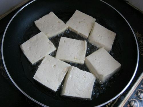 大葱烧豆腐的做法图解2