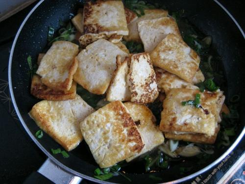 大葱烧豆腐的做法图解4