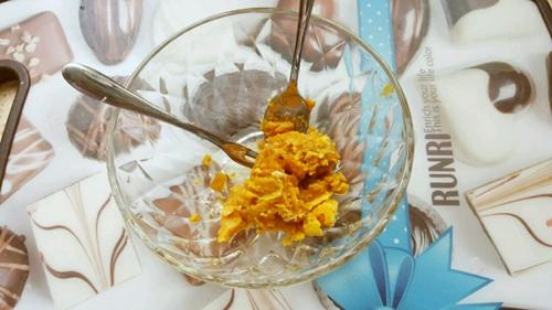 宝宝辅食(蟹黄豆腐)的做法图解2