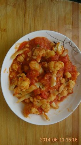 菜花烩西红柿的做法图解2