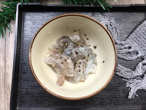 咖喱口蘑虾仁饭的做法图解2
