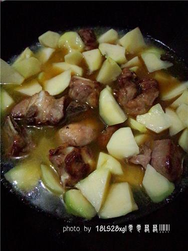 土豆烧排骨的做法图解8
