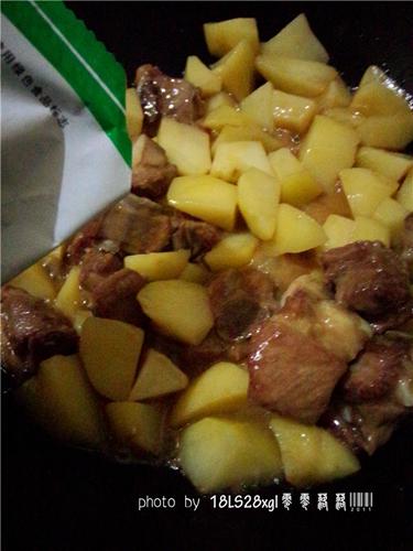 土豆烧排骨的做法图解10