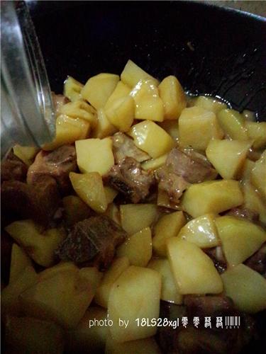 土豆烧排骨的做法图解11