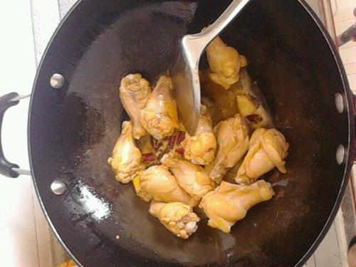 土豆鸡翅根的做法图解2