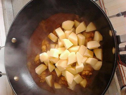 土豆鸡翅根的做法图解3