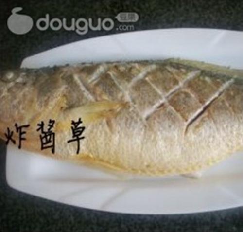 酸甜黄花鱼的做法图解4