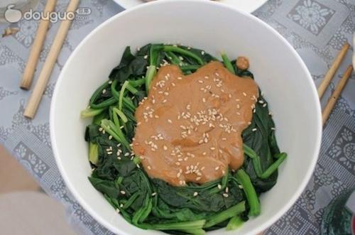 芝麻酱拌菠菜的家常做法