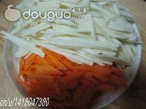 茭白炒胡萝卜的家常做法