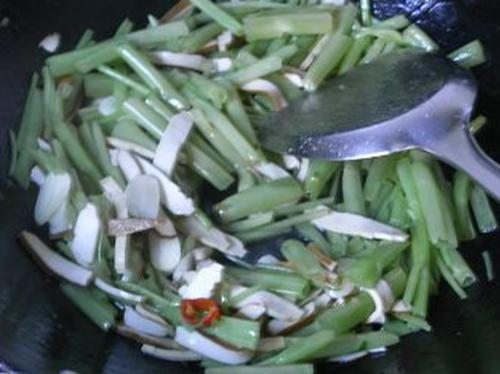 空心菜炒豆干的做法图解3