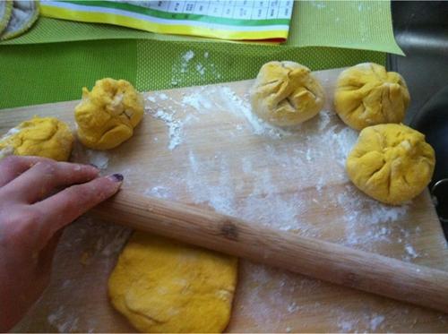 南瓜豆沙包的做法图解7