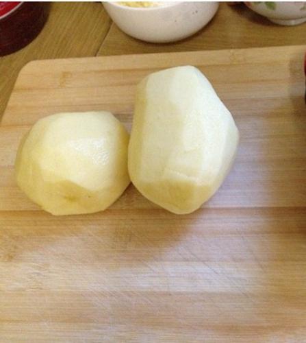 平底锅版少油焦香酥脆的薯片的家常做法