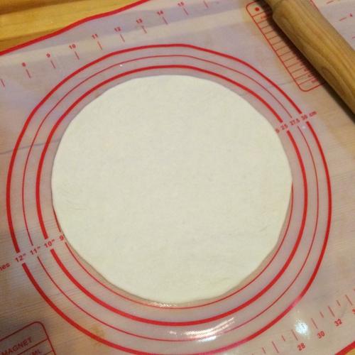 培根口蘑田园披萨的做法图解5