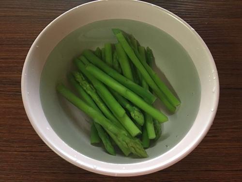 培根蔬菜卷的做法图解3