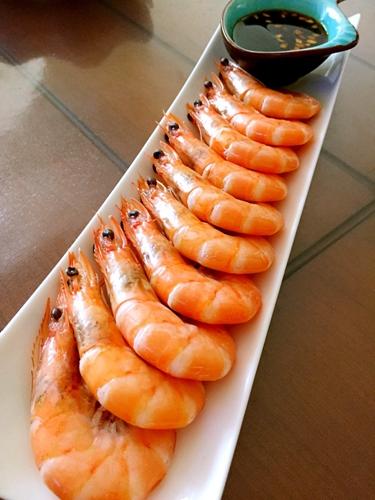 史上最简单的一道菜白灼虾的做法图解4