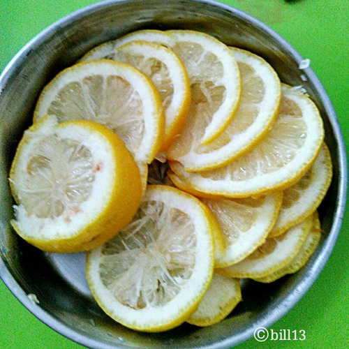 非常滋润的冰糖炖柠檬的做法图解1
