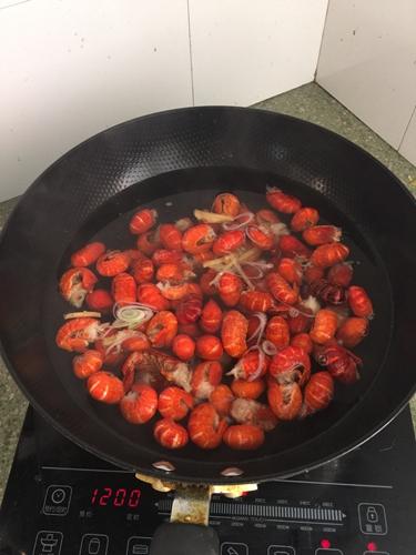 麻辣龙虾尾的做法图解2