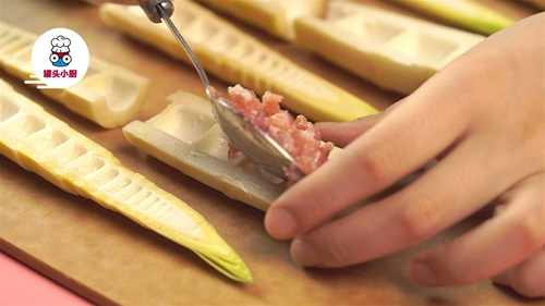 零难度春笋酿肉的做法图解3