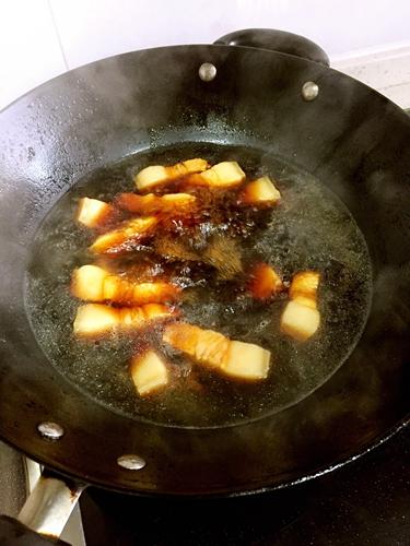 油豆腐烧肉的做法图解2