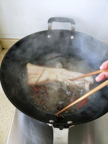 豆豉蒜泥白肉的做法图解2