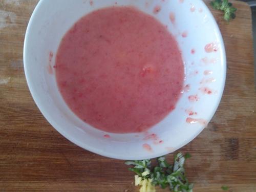 草莓滑虾的做法图解3