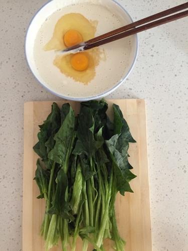 早餐菠菜饼的做法图解2