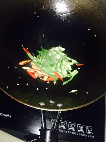 家常四季豆炒肉丝的做法图解6