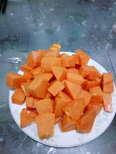 木瓜银耳红枣羹的做法图解1