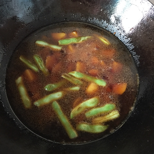 农家菜芸豆炖土豆(超级简单好吃)的做法图解4