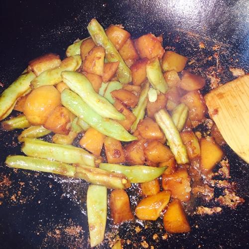 农家菜芸豆炖土豆(超级简单好吃)的做法图解7
