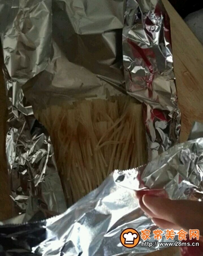 锡纸烧烤金针菇的做法图解4