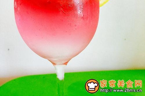 红粉蜜桃少女心(调制鸡尾酒)