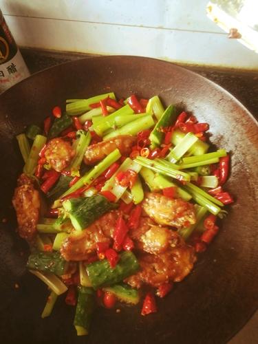干锅麻辣鸡翅的做法图解9