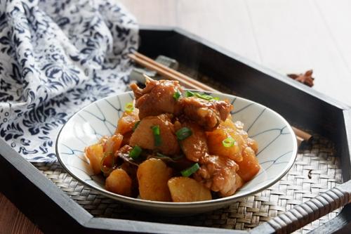 红烧鸡翅土豆的做法图解17