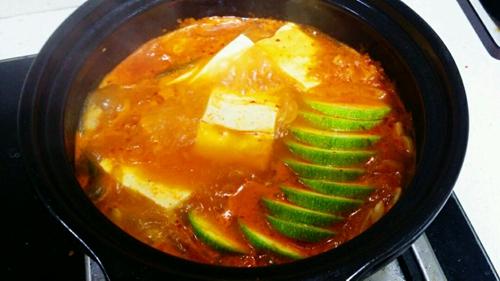 逼格满满的泡菜豆腐锅的做法图解7