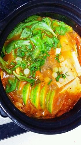 逼格满满的泡菜豆腐锅的做法图解9