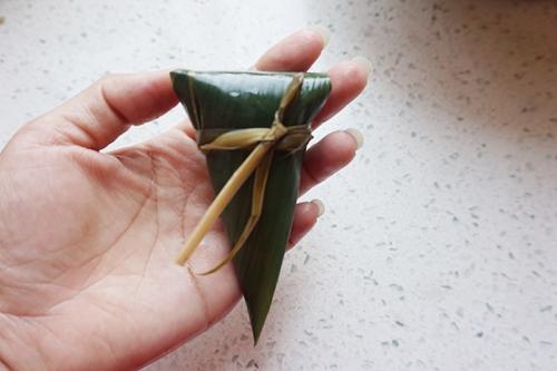 紫米八宝锥形粽子的做法图解13